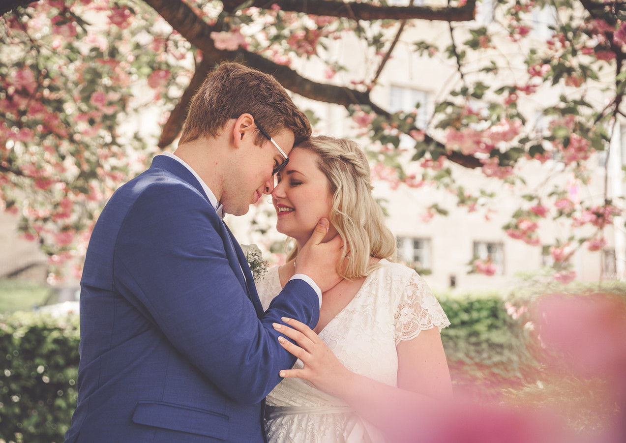 Kirschblüten-Shooting-Corona-Hochzeit-K