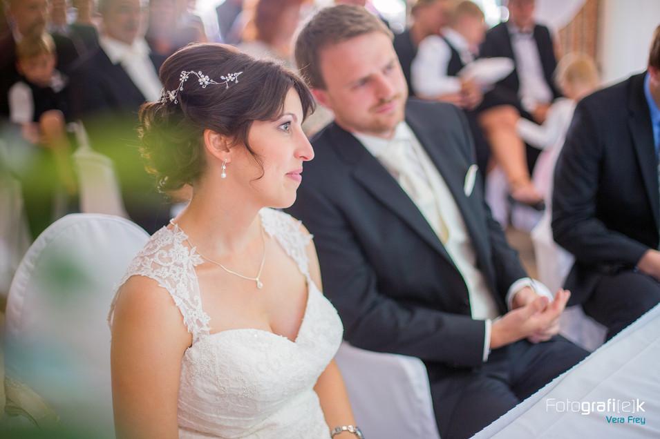 Standesamtliche Trauung | Romantik Hotel Ahrenberg | Brautpaar