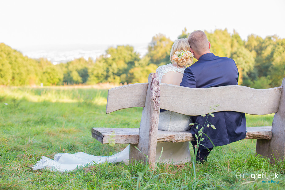 Holzbank | Dönche | Brautpaar