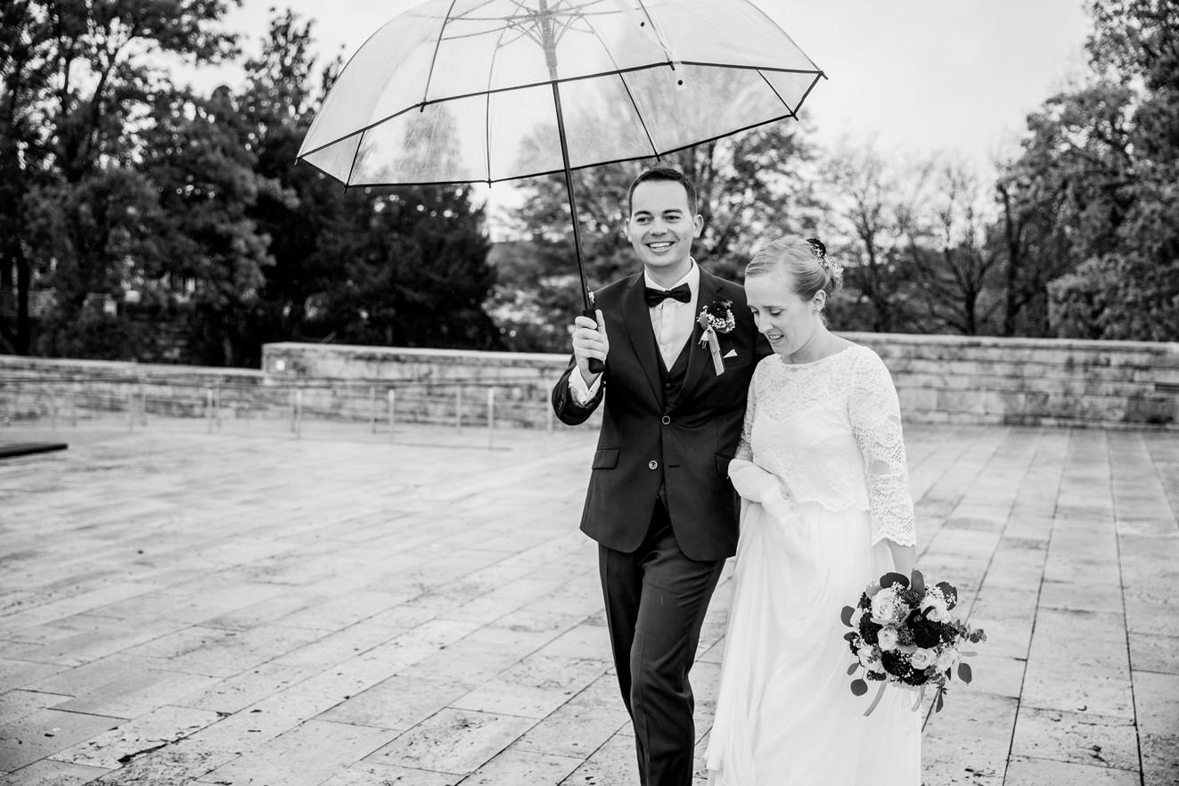 Hochzeitsfotos-Regen-Herbst-Kassel-Grimm