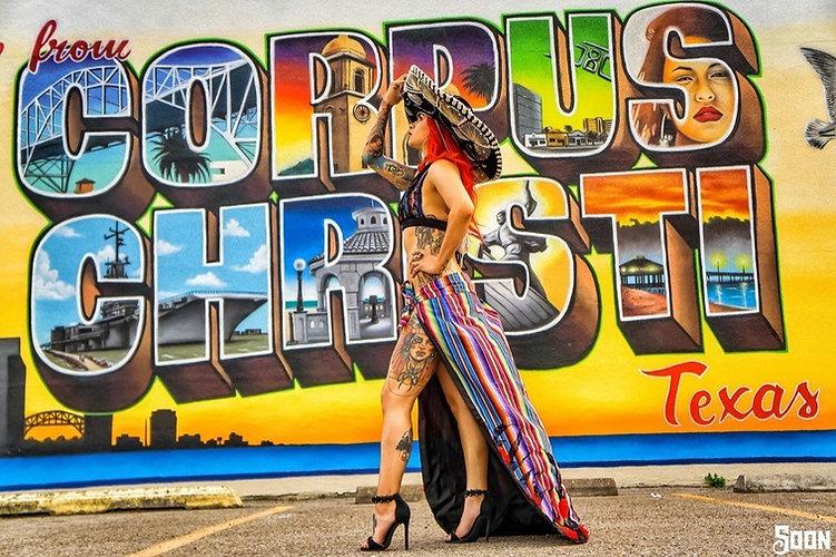 Welcom-to-Corpus-Christi-Mural-with-girl