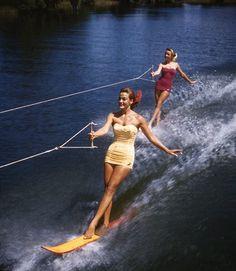 retro waterskiing