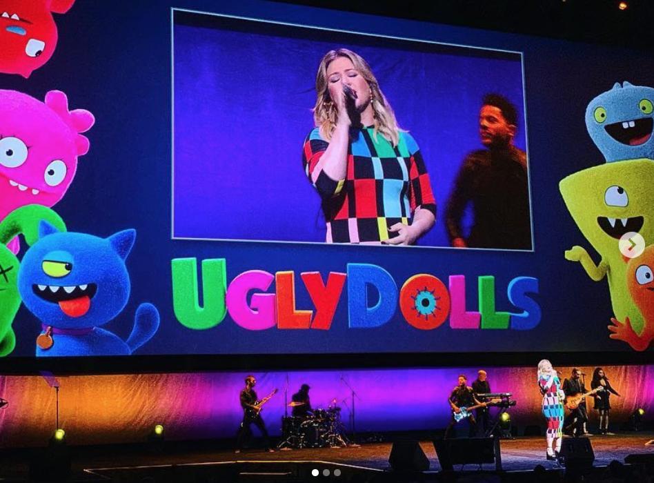 Kelly Clarkson Cinemacon