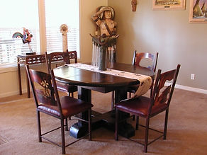 Santa Fe Round Extention Table