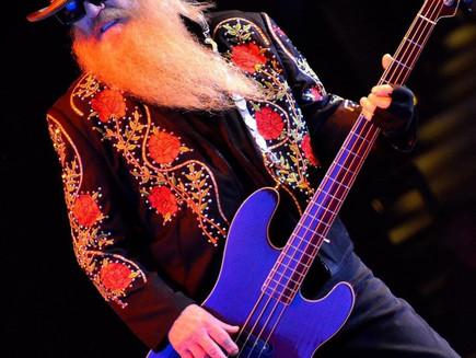 Dusty Hill, o baixista do lendário trio norte-americano ZZ-TOP