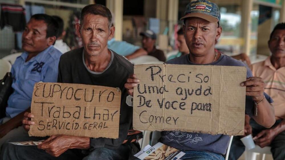 Refugiados venezuelanos procuram trabalho em Boa Vista, capital de Roraima, em outubro de 2017. Reuters/UNODC