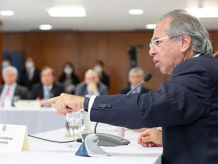 Paulo Guedes e a diferença que não interessa às instituições democráticas