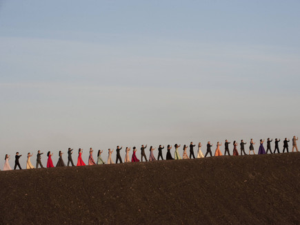 """Análise de """"A marcha das estações"""" do documentário Pina: as fronteiras na vídeo-dança"""