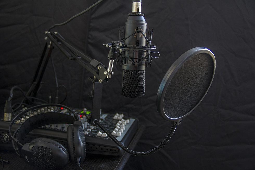 microphone-616788_1920.jpg