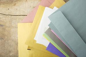 色んな色の封筒