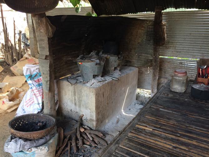 Making ceramic coated in aluminium cooking pots...
