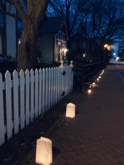 Neighborhood tribute to medical responders
