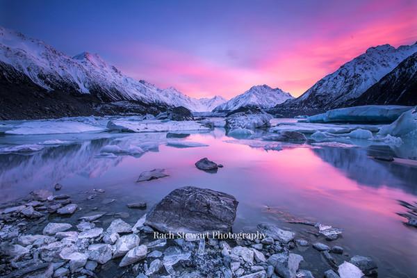tasman-lake-mount-cook-sunrise 1.jpg