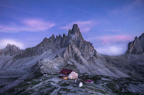 tre-cime-Rifujio-Locatelli.jpg