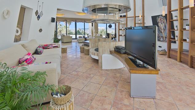 Interior 9.jpg