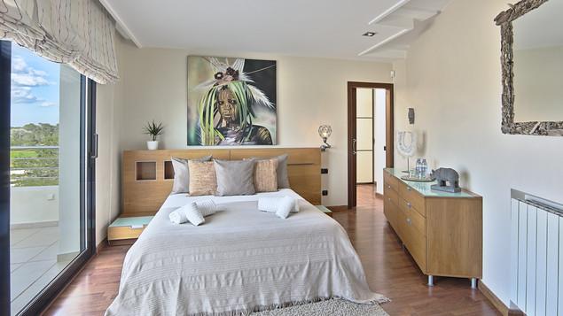 Room 2.2.jpg