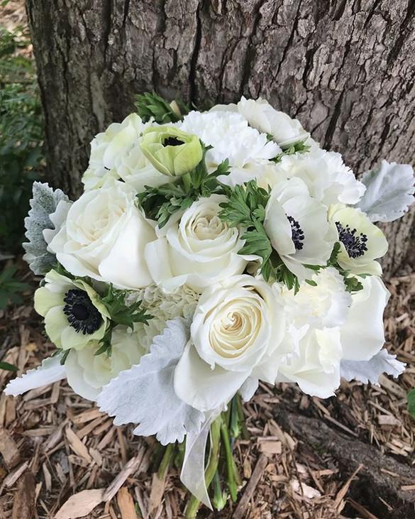 Just one bouquet today!_Happy wedding da