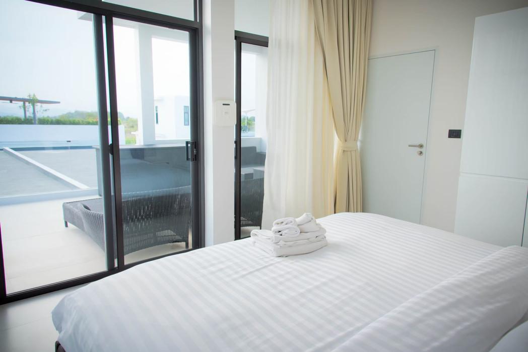3 bed pool villa_201026_3.jpg