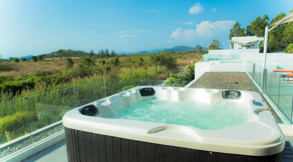 3 bedroom pool villa jacuzzi_201026_8.jp