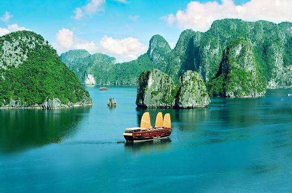 Bai Tuu Long Bay