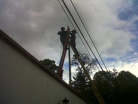 Cercos electricos Guatemala, cercas electricas, mallas electricas, razor ribbon, seguridad perimetral, instalaciones de cercos, ondulaciones de cercas, alambres electrificados, malla con privacinta