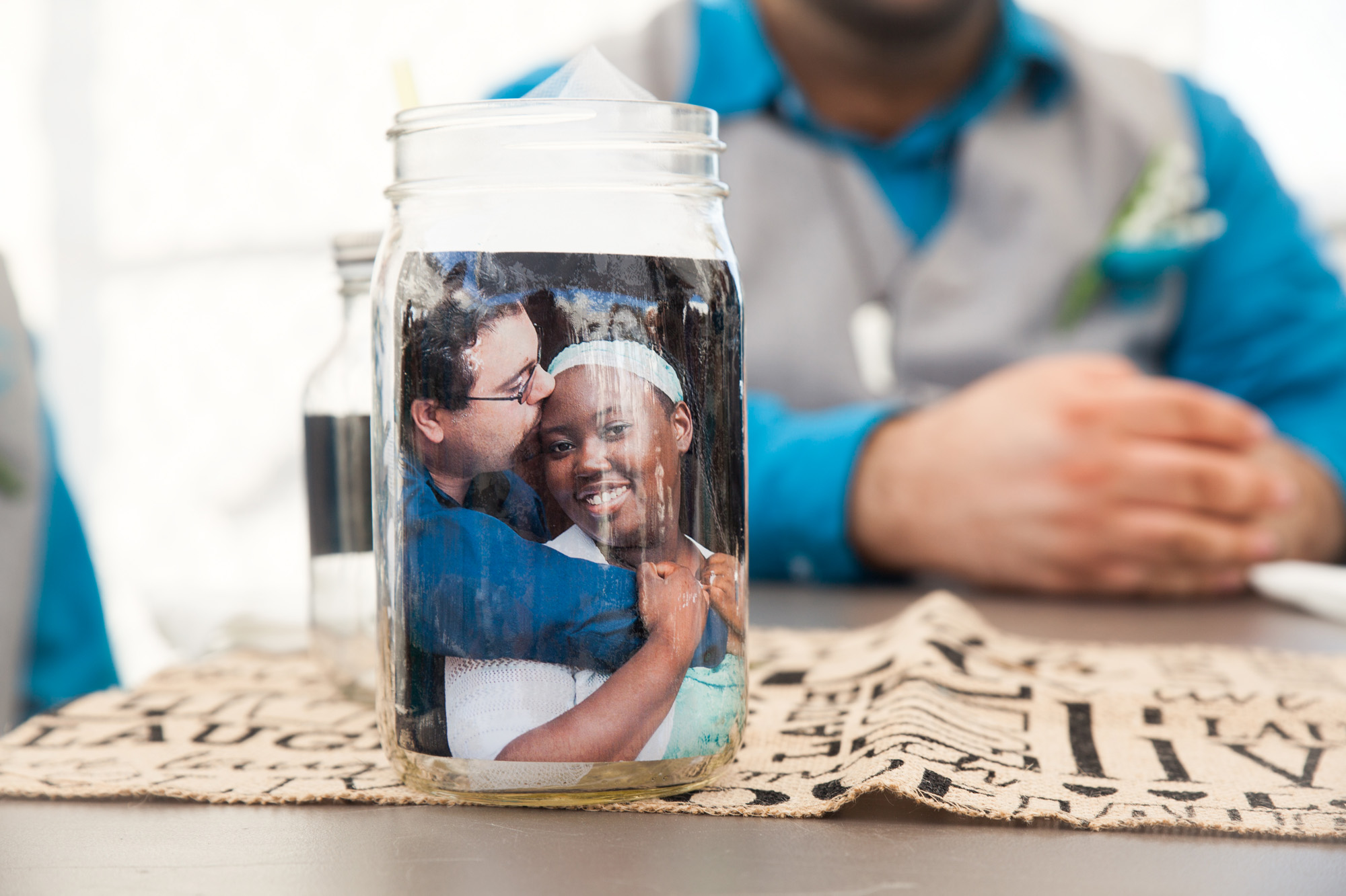 centerpieces | picture in mason jar