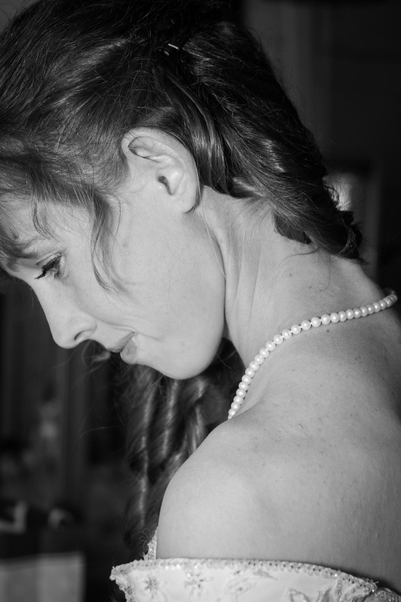 Bride detail - pearl necklace