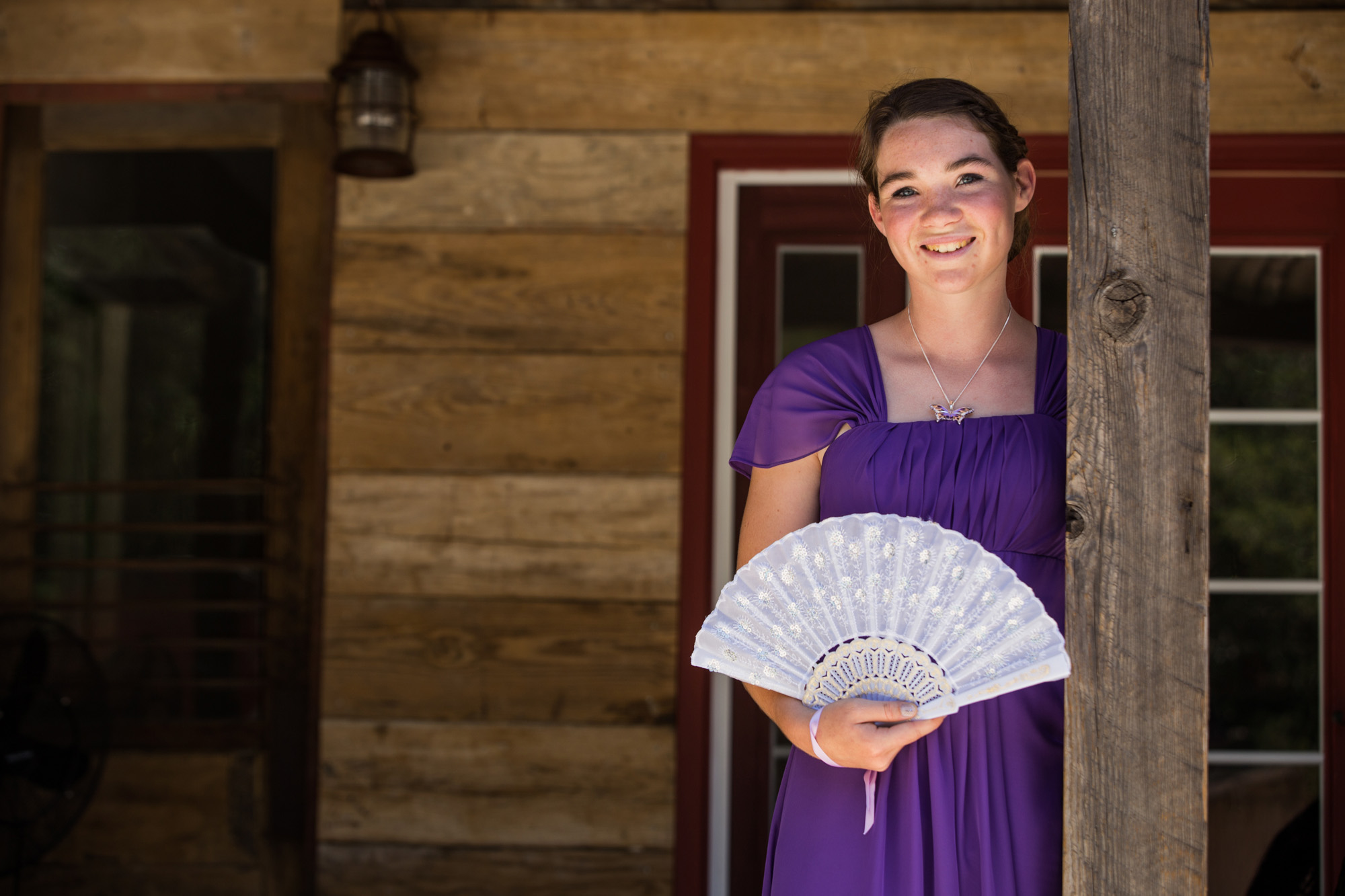 bridesmaid with fan bouquet