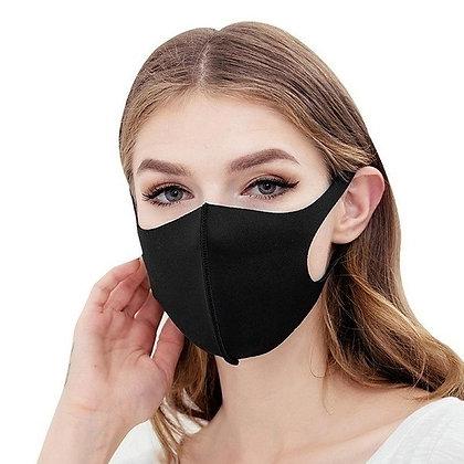 Masques tissus noir, rose, blanc ou gris.