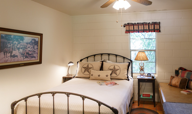 One of 3 bedrooms available for hunters in Llano, Texas.  Sleeps 3