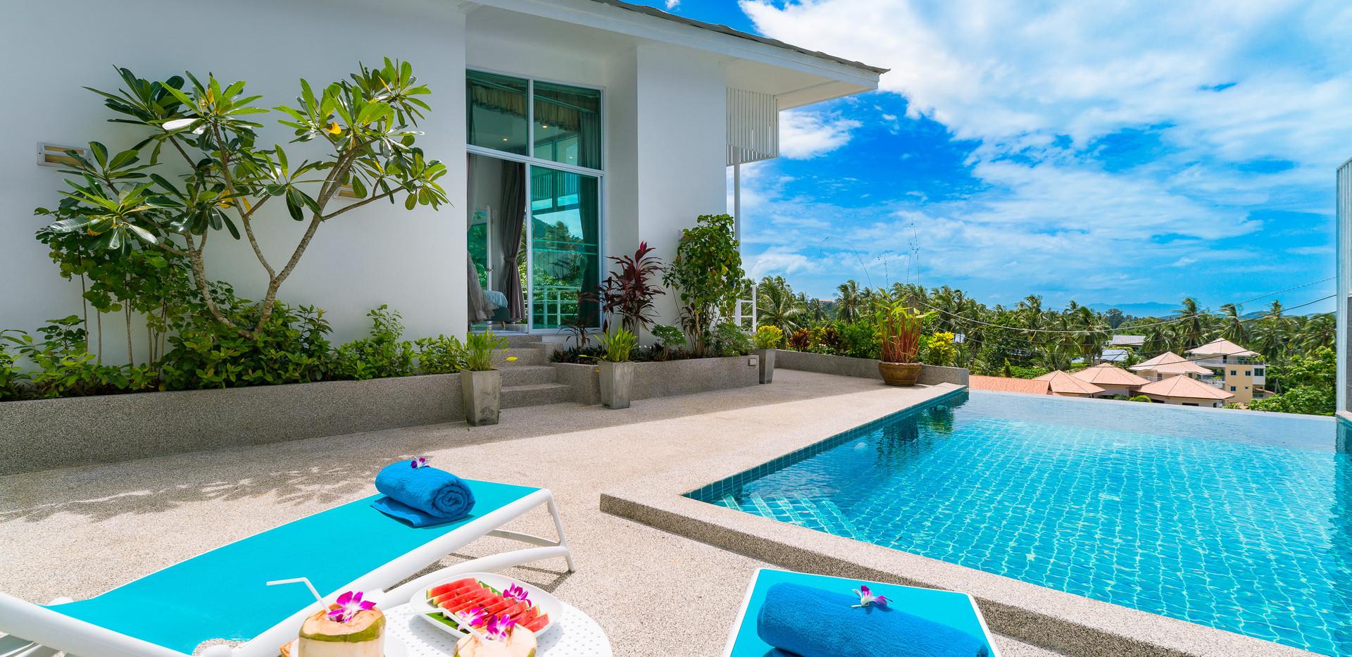 Villa Alba - Swimming Pool 4.jpg