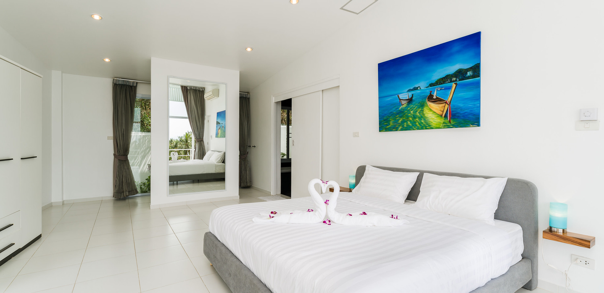 Villa Alba - Master bedroom c.jpg