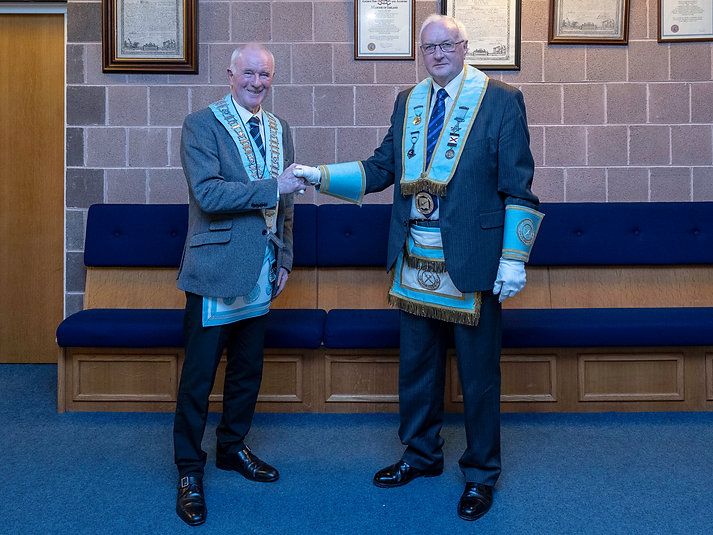Worshipful Master Lee Burnside welcoming the new Lodge Inspector                                                  W.Bro. David Ewart PGLI.
