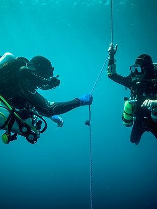 Dois mergulhadores de mergulhador