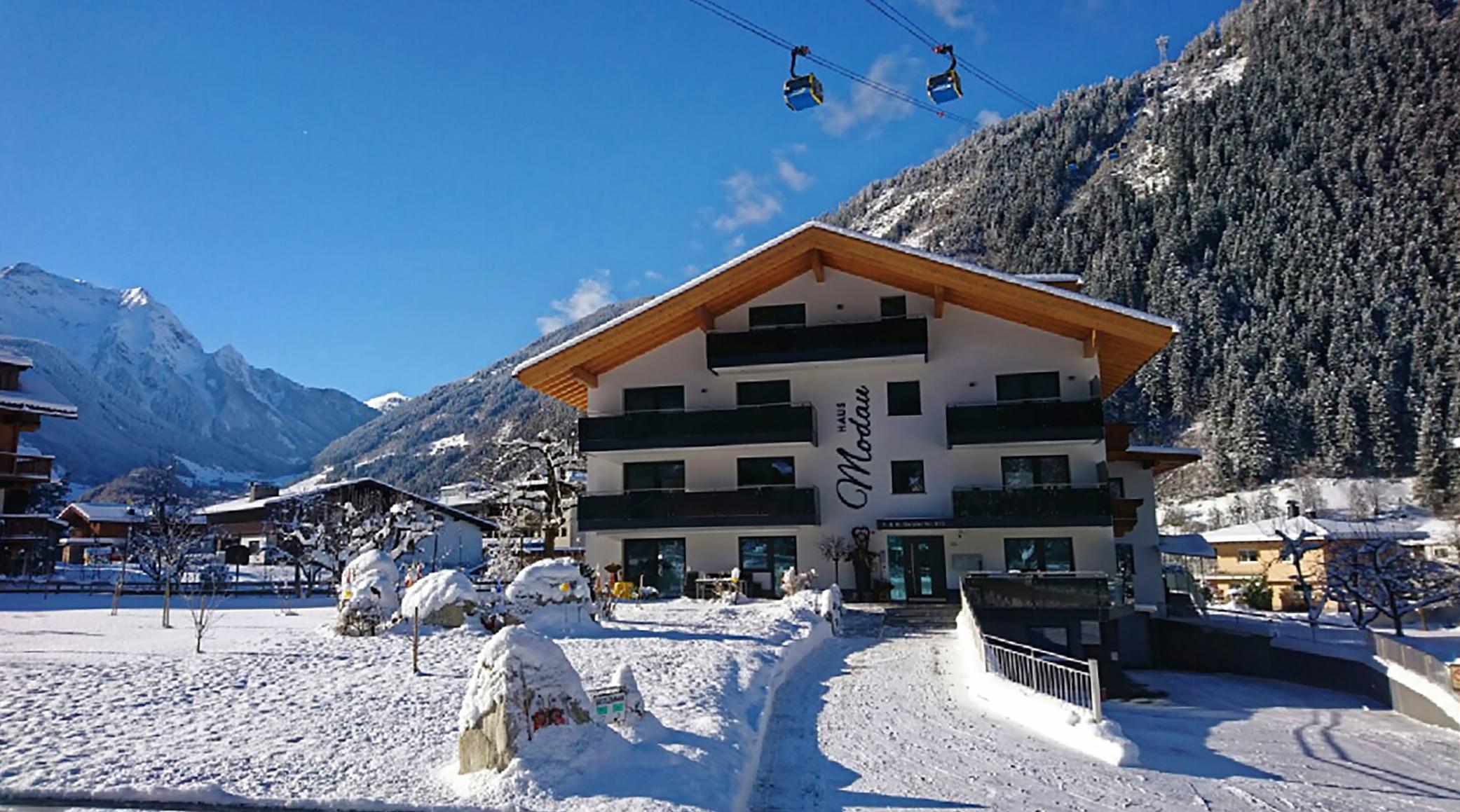 Haus Modau Winter Eingang