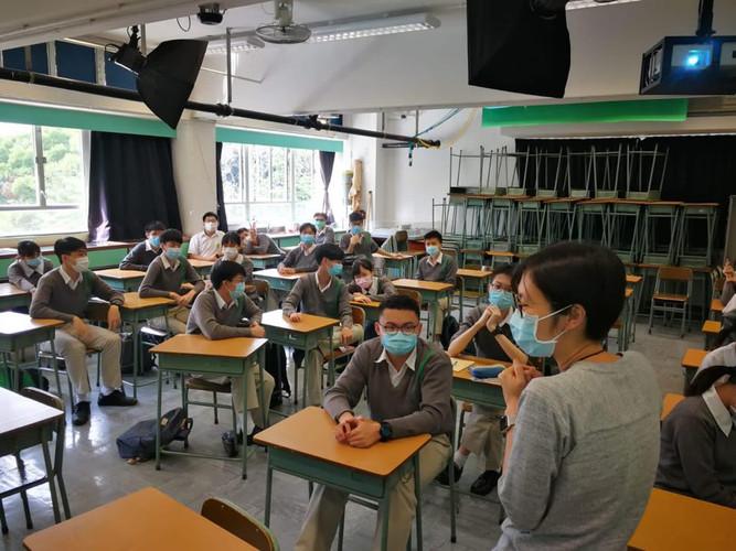 20201104馬錦明慈善基金馬可賓紀念中學宣講.jpg