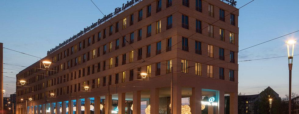 Kopie von Kopie von Hotel - Motel One Dresden am Zwinger
