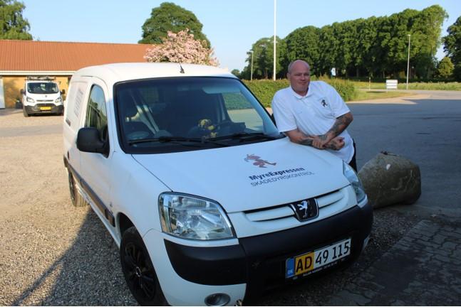 Skadedyrsbekæmperen og hans firmabil   Sommersted