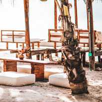 Las Nubes Beach Club