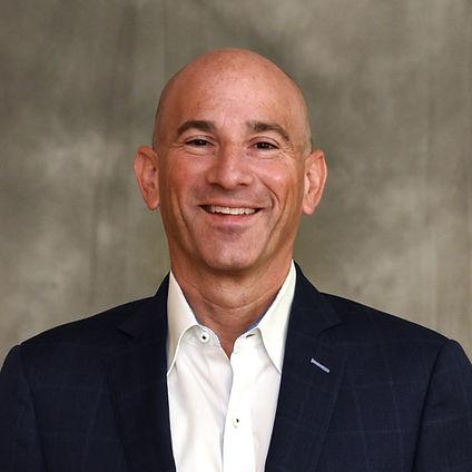 Gregg Hollenberg, President of Sign Advisors