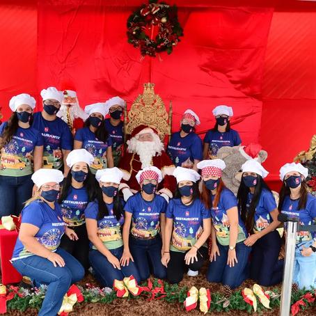 Drive-Thru de Natal realizado com Professores, colaboradore e restaurante Literário.