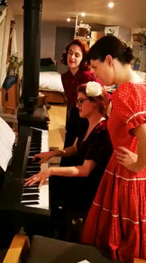 Lullaby Of Broadway - The Shout Sisters.