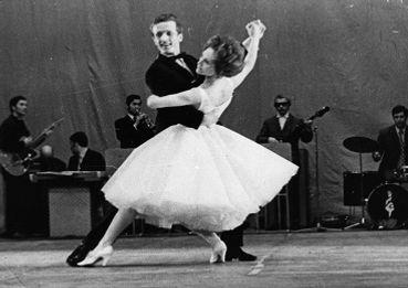 Бальные танцы в одинцово. Танцы для детей в Одинцово. Танцы для взрослых в Одинцово