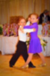 Танцы для детей от 3х лет. Развитие музыкального слуха, координации движения.