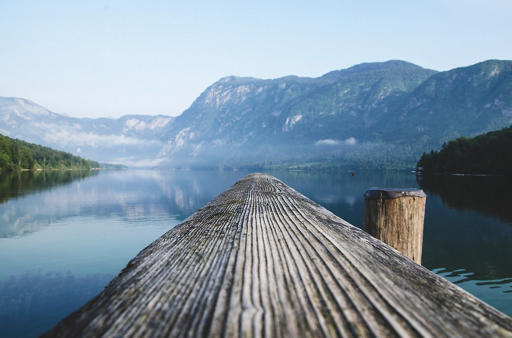 lake-2582649_1920.jpg