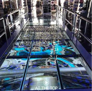 Interacive Glass Cracking Floor at Burj Khalifa