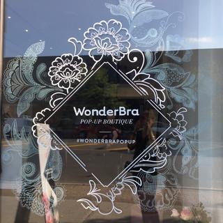 Wonderbra pop-up