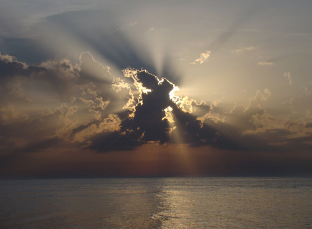 כשהשמש והירח לוקים ומרקורי בנסיגה