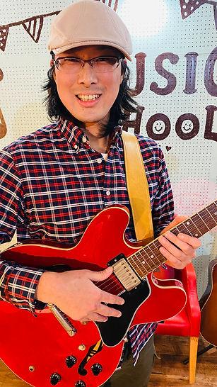 長谷川敬高 ギター講師 スタジオエチュード引山店 ヨシカネタクロウミュージックスクール