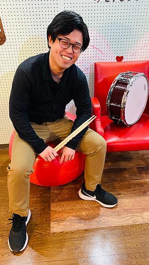 長村晃一 ドラム講師 スタジオエチュード引山店 ヨシカネタクロウミュージックスクール